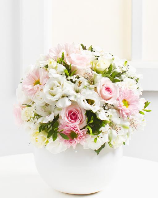 Delicate Bouquet in Bright Colours