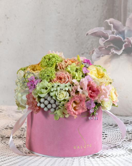 Цветы нежного дерева, в розовой бархатной коробке